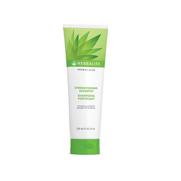 Herbal Aloe Strengthening Shampoo 250 mL